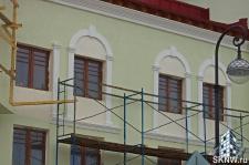 Элитный жилой комплекс утепление и отделка фасада декоративной штукатуркой с архитектурными элементами_11