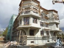 Элитный жилой комплекс утепление и отделка фасада декоративной штукатуркой с архитектурными элементами_15