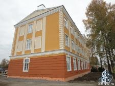 Реноация фасада декоративной штукатуркой ATLAS и архитектурными элементами_25