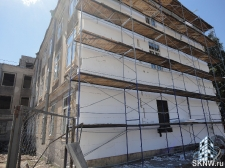 Реноация фасада декоративной штукатуркой ATLAS и архитектурными элементами_7